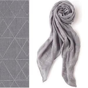 Stella & Dot Westwood Dove Gray Scarf Metallic